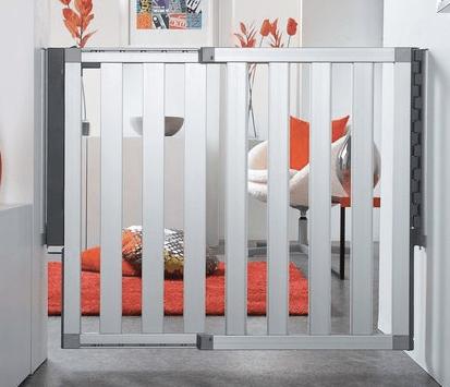 munckin-aluminum-gate-2-min