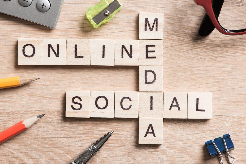 social-media-on-blocks-medium-min